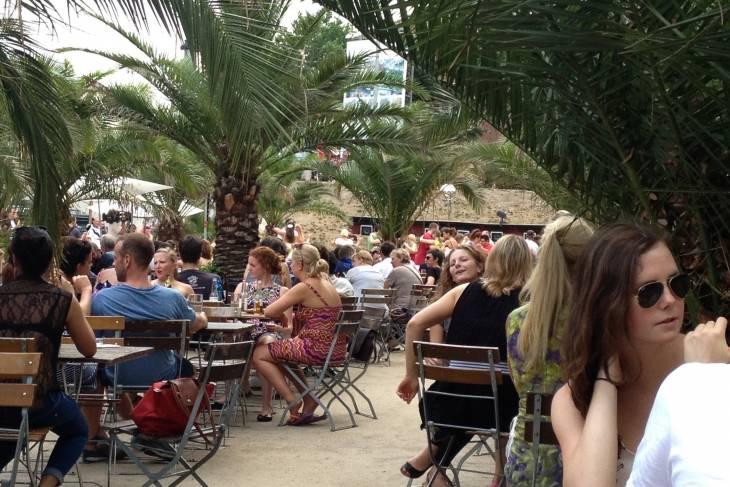 Eten bij Strandbar Mitte in Berlijn