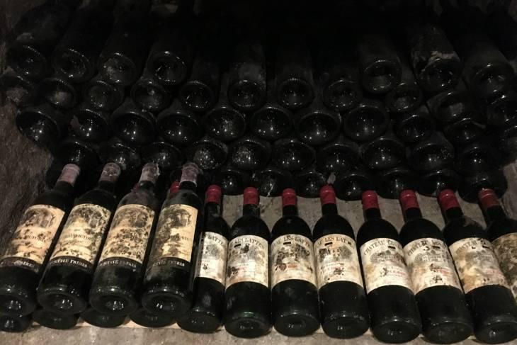 Wijn in de kelder van Thiessen.
