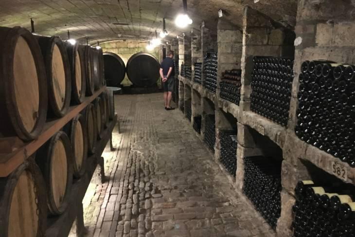 Eeuwenoude wijnkelders Thiessen.