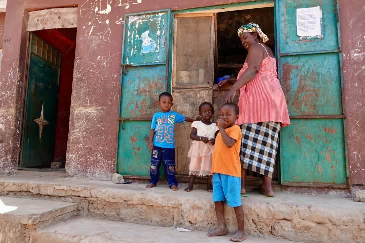 Gambia RonReizen shoppen
