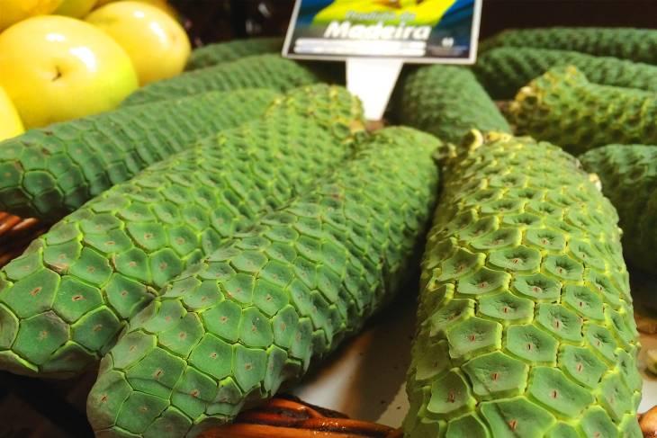 De banana-pineapple is geen verzinsel, maar een bestaand stuk fruit.