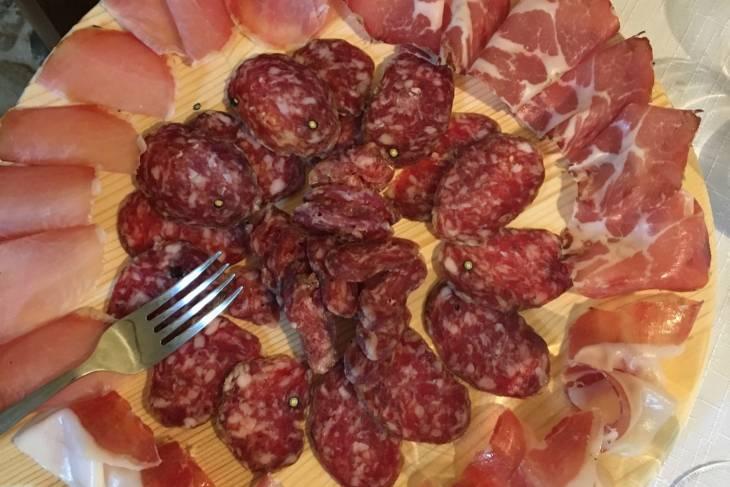 Heerlijke anti pasti bij de wijnproeverij van Azienda Agraria Brunozzi.
