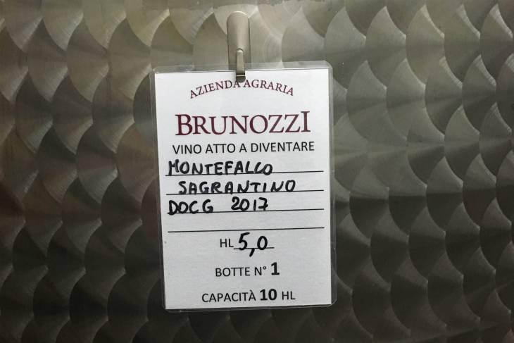Sagrantino Montefalco DOCG gerijpt in metalen en houten vaten.