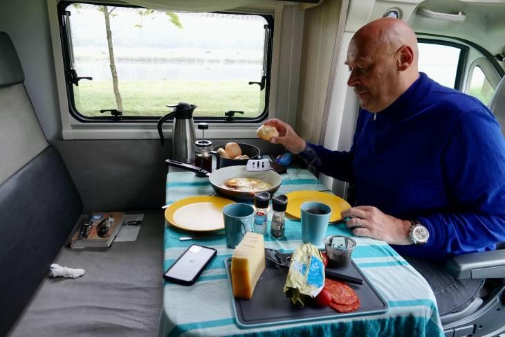 Nederland camper De Camper Club RonReizen ontbijt