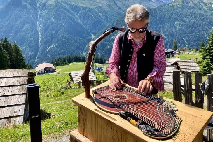 Oostenrijk Culinaire Jacobsweg Ischgl RonReizen muzikant