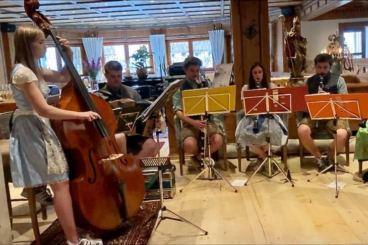 Oostenrijk Culinaire Jacobsweg Ischgl RonReizen orkestje