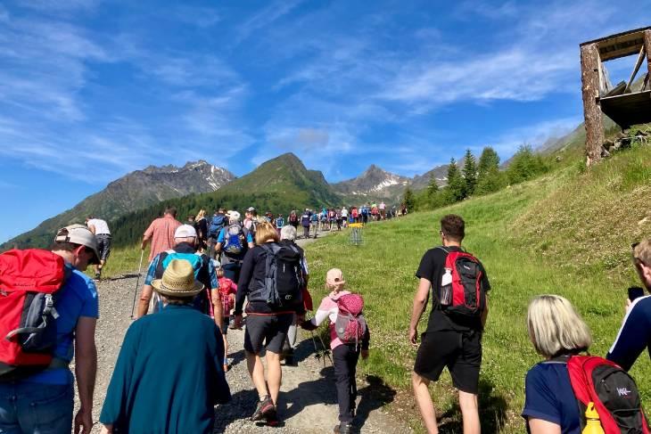 Oostenrijk Culinaire Jacobsweg Ischgl RonReizen stoet