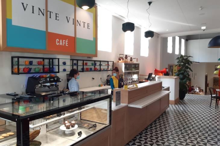 Museum bar WOW, Porto - RonReizen