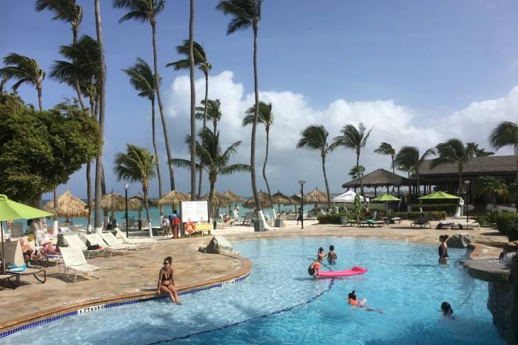 Zwembad Holiday Inn.