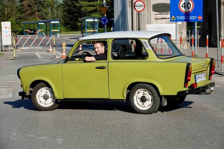 Crazy Guides vervoeren je in een originele Trabant.
