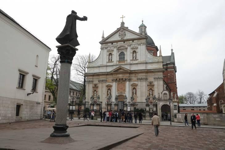 Op zoek naar een kerk in Krakau hoef je nooit ver te wandelen.
