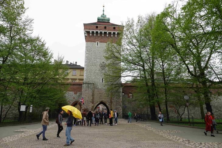 De oude toegangspoort maakte ooit deel uit van de stadswal.