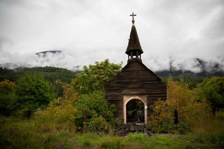 Vervallen kerkje