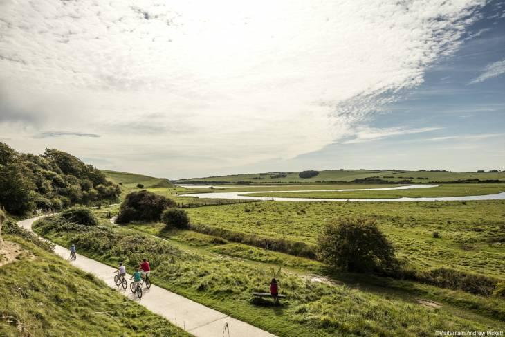Fietsen in Engeland is genieten van prachtige natuur, schitterende dorpjes en gastvrije mensen.