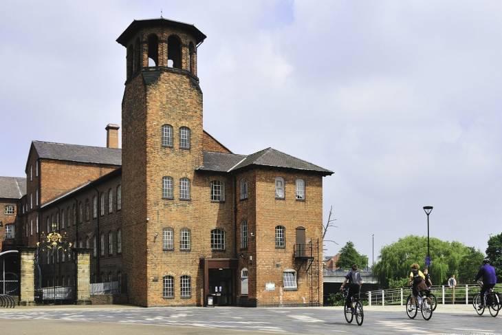 In Derby vind je het Silk Mill Museum.