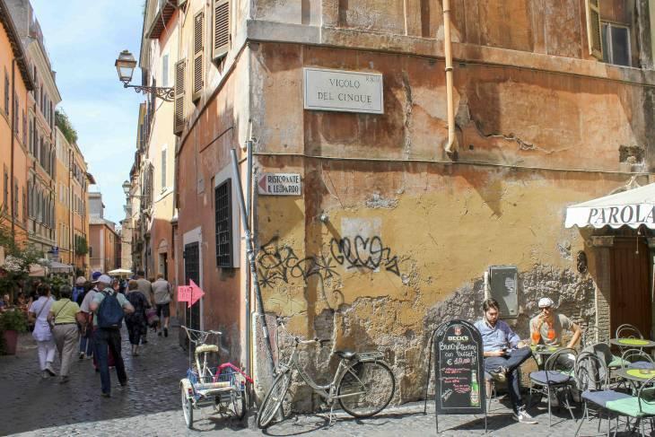 De volkswijk Trastevere wordt steeds meer ontdekt.