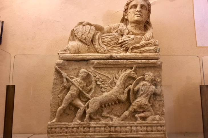 Etruskische urn. RonReizen