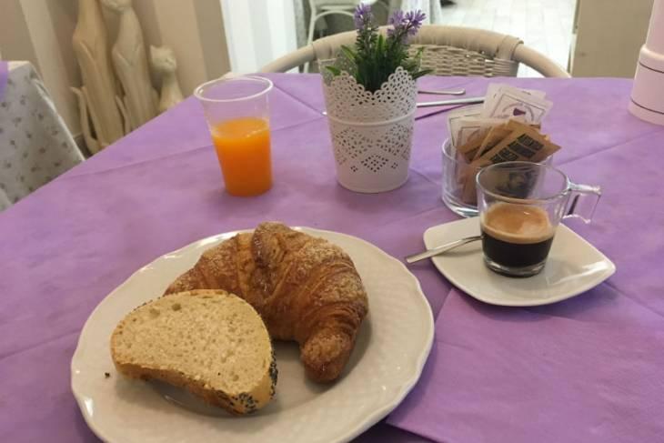 Ontbijt in Volterra. RonReizen