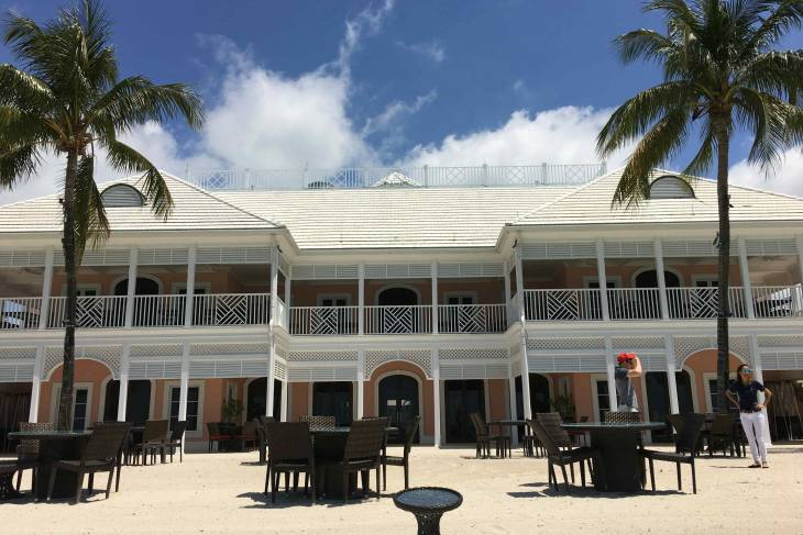 Albany House komt voor in Bond-kraker Casino Royale.