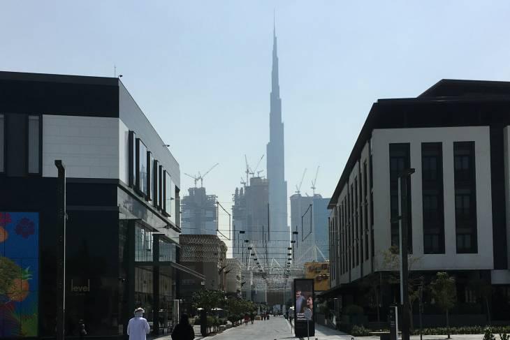 De Burj Khalifa domineert het stadsbeeld van Dubai.