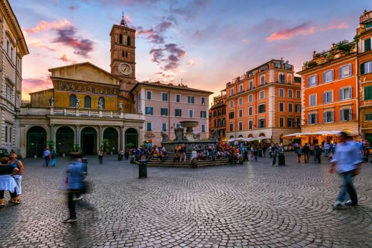 Het pleintje Santa Maria vormt het hart van Trastevere.