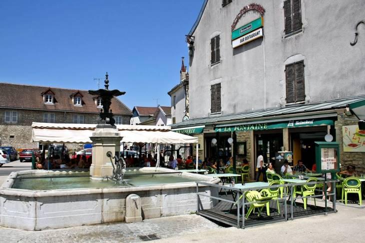 Le Bistrot de la Fontaine in Clairvaux les Lacs Jura