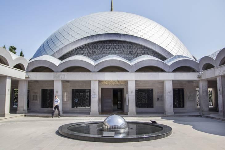 Een moskee als een ufo.