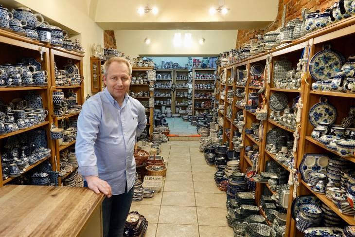 Uit de regio Boleslawiecka komt het typerende gestippelde aardewerk.