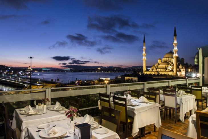 Topterras aan de Bosporus.