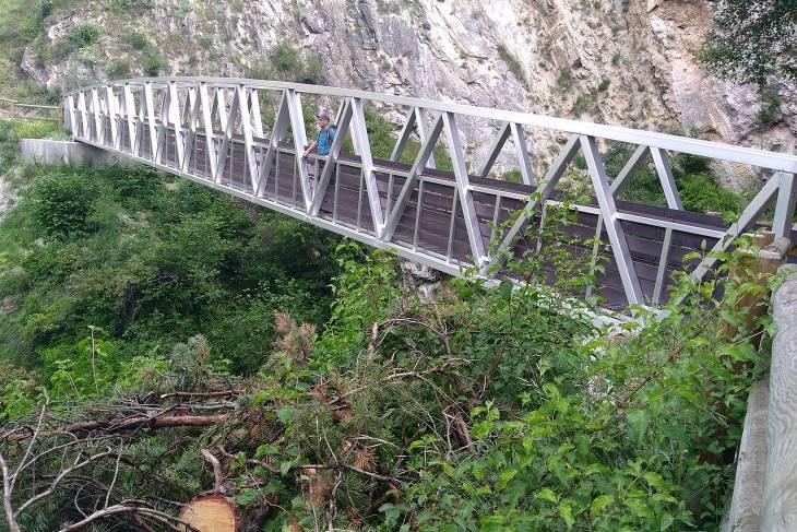 Hiken in de Savoie Brides-les-Bains brug