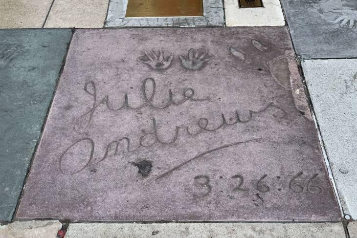 Julie Andrews bij Chinese Theatre in Los Angeles - RonReizen