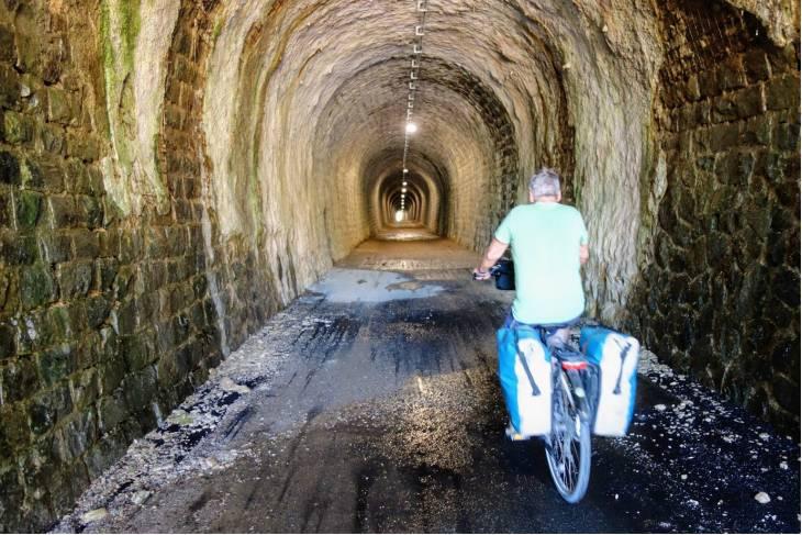 Fietstocht Ardèche tunnel - RonReizen