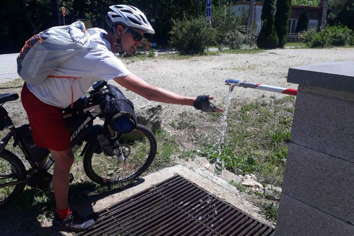 Fietstocht Ardèche water bijvullen - RonReizen