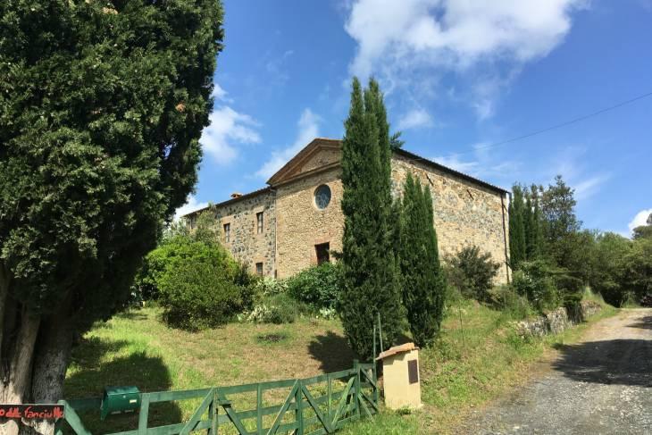 Kerk van Enzo Scuderi in Toscane.