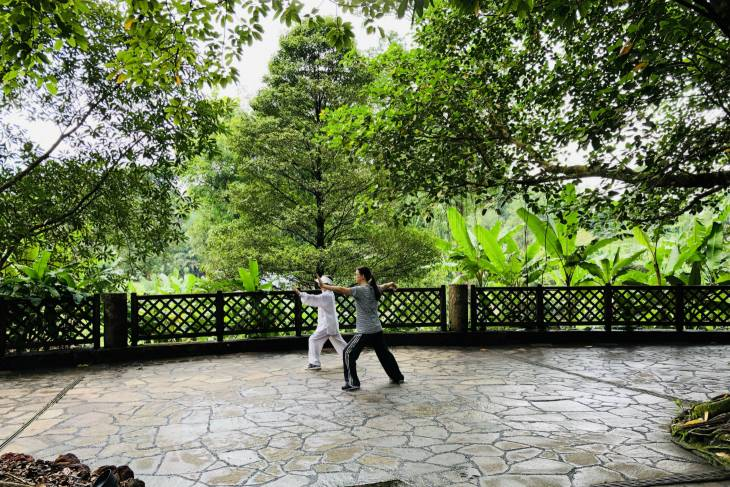 Locals in Botanic Gardens Singapore - RonReizen