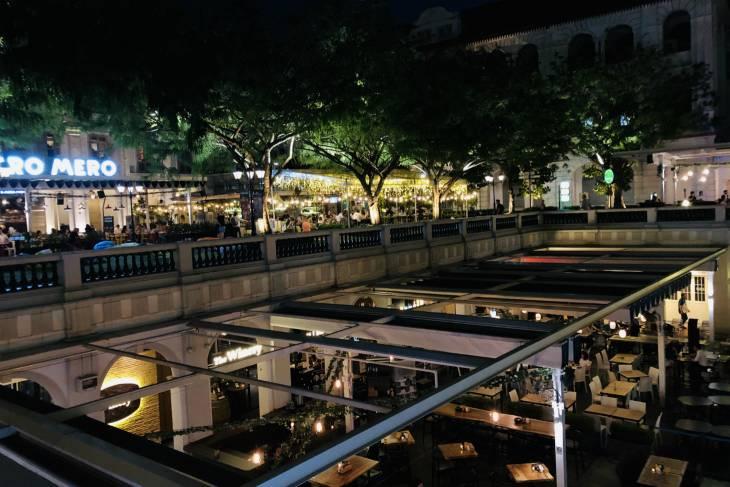 Eten in Chijmes, Singapore - RonReizen