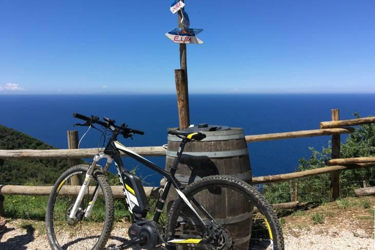 Toscane ontdekken op een e-bike, elektrische fiets mountainbike.